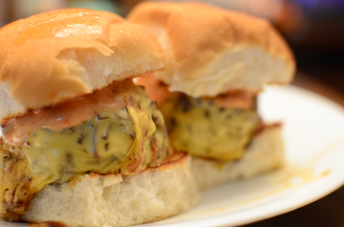 Mushroom And Swiss Sliders With Spicy Fry Sauce Recipe ...